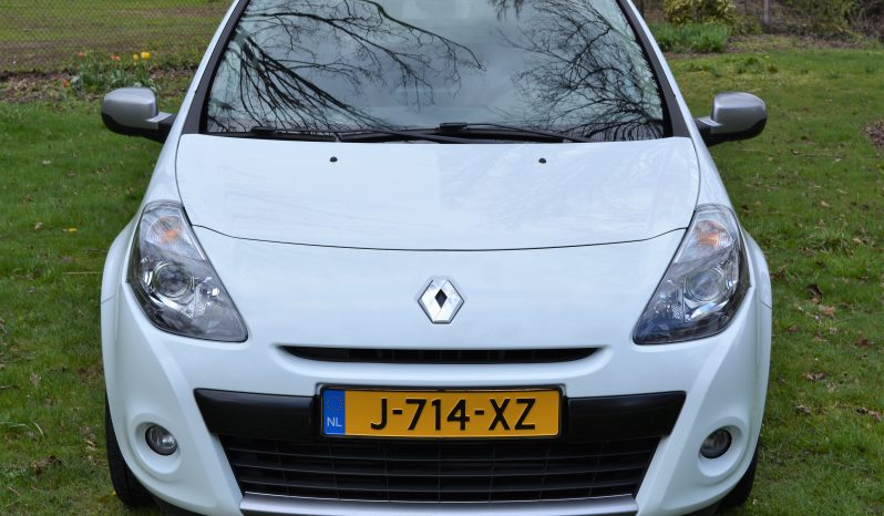 Renault Clio Estate 1.2 TCe Night & Day | Navi | Climate | Half Leder | Regensensor. full