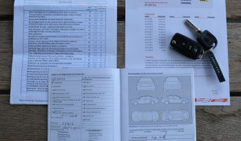 VW Up! 1.0 move up! Blue Motion   5 drs   Airco   Navi   City Safe Drive. full