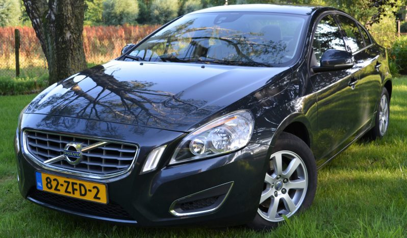"""Volvo S60 1.6 T3 Kinetic 